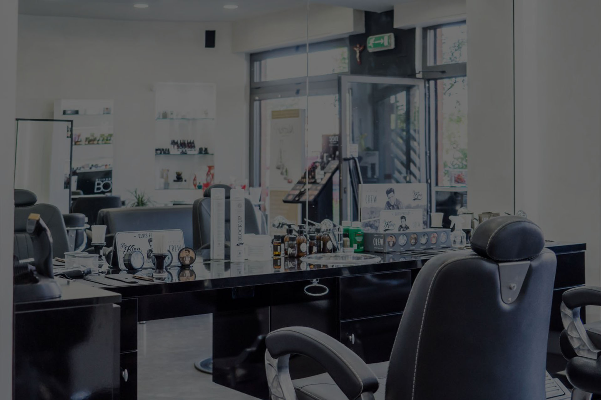 Immagine Sfondo BOTTONE Hairdressing & Barber